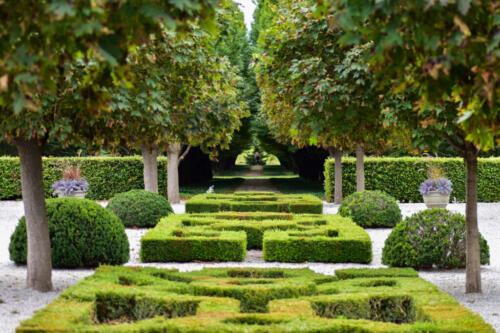 Gardens Niagra 7 6.5 7 20.5 Jordan Wright  Pictorial Bronze