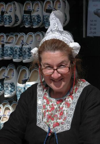 Dutch Lady Selling Wooden Shoes 6 7 7 20 Roy Oldfield  Pictorial Gold