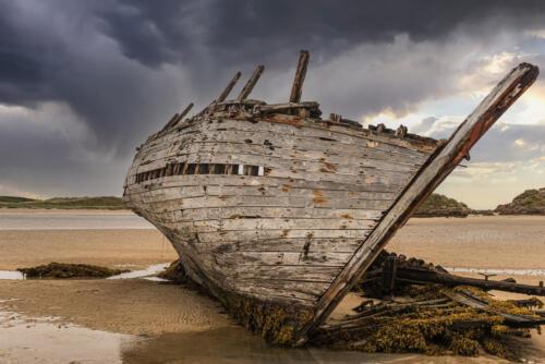 Ship Wreck On Beach 8 7.5 8.5 24 HM GPP Herb McClelland  Pictorial Gold