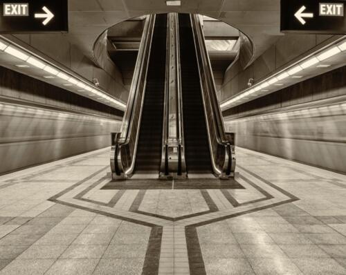 The escalator  24  Pictorial  Gold  Ed  Espin