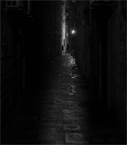 Dark Alley 5.5 7 7.5 20 Patrick Mohide  Pictorial Gold