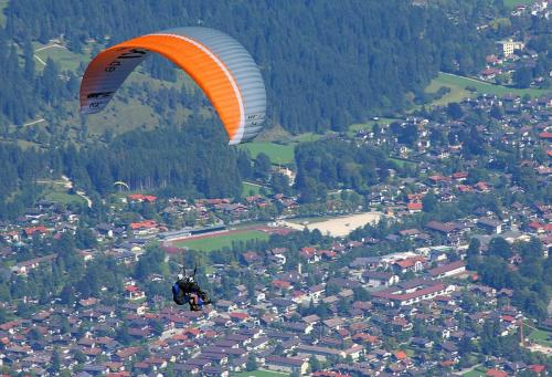 Paragliding over Garmisch 22 Pictorial Gold Graham Jardine
