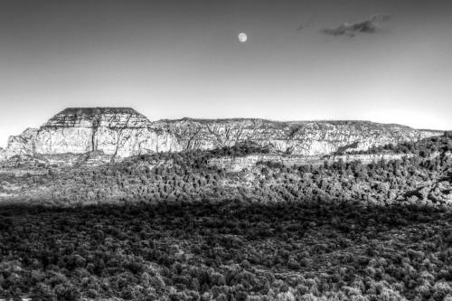 Moonrise in Sedona 20.5 Pictorial Silver Andy Langs