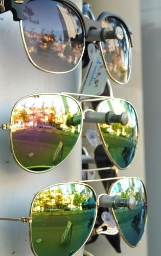 Sunglasses City 19.5 Pictorial Gold Roy Oldfield