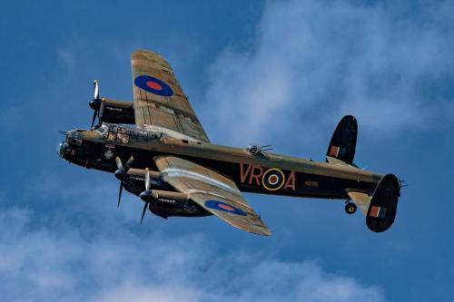 Lancaster Bomber 8 7.5 7 22.5 Geoffrey Skirrow  Pictorial Gold
