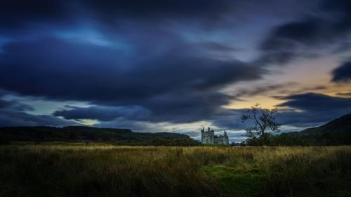 Kilchurn Castle, Scotland 6 8 7.5 21.5 Kathryn Martin  Pictorial Gold
