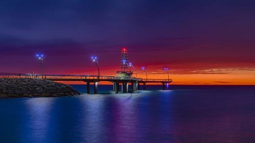 Burlington Pier Before Sunrise 8 7 8.5 23.5 GPP Geoff Dunn  Pictorial Gold