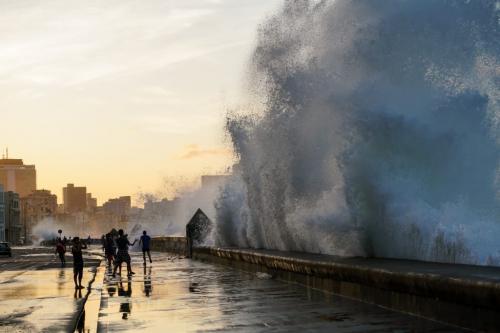 Havana_Malecon_Wave 7 7.5 7.5 22 BPP Thomas McGory  Pictorial Bronze