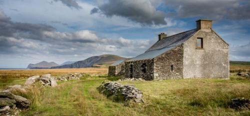 Abandoned Cottage-County Kerry 8 7.5 8.5 24 HM SPP Mike Mulvale  Pictorial Silver